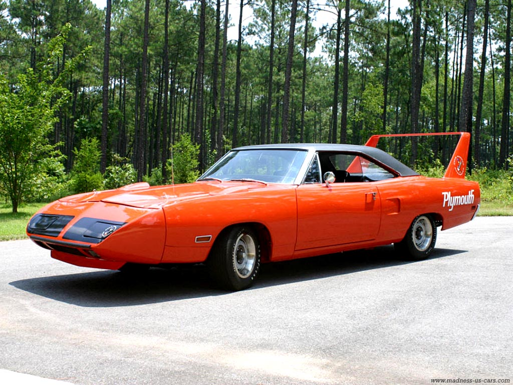 plymouth-superbird-rouge.jpg